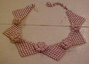 Faux pearl bib necklace (Image1)