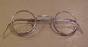 Eyeglass pin (Image1)