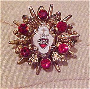 Sacred heart enameled pin (Image1)