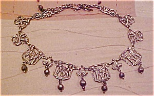 Cherub necklace (Image1)