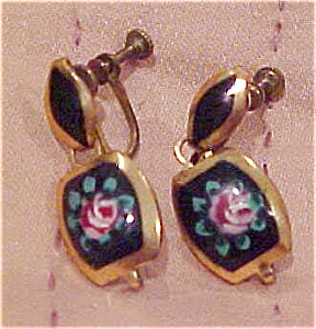 Floral enameled earrings (Image1)