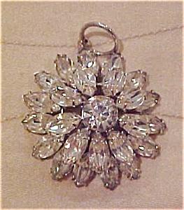 Rhinestone flower pendant (Image1)
