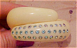 Thermoplastic hinged bangle w/ rhinestones (Image1)