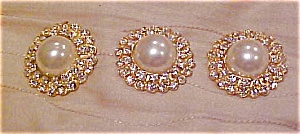 3 faux pearl and rhinestone buttons (Image1)