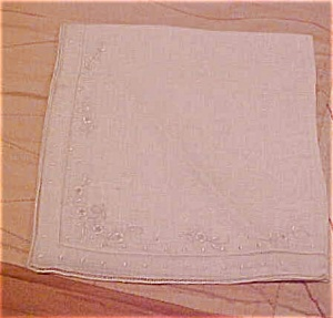 Handkerchief with floral design (Image1)