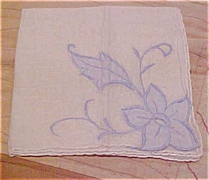 Handkerchief with blue flowers (Image1)
