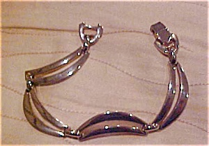 Sperry bracelet (Image1)