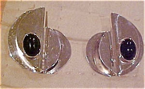Sterling earrings with onyx (Image1)