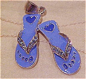 Contemporary shoe charm (Image1)