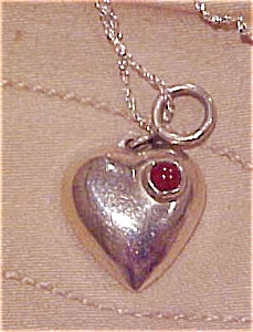 Sterling heart pendant on chain (Image1)