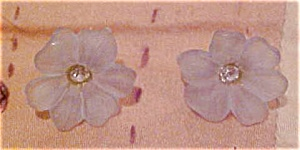 Light blue plastic flower earrings (Image1)