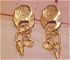 Reproduction archaeological design earrings (Image1)
