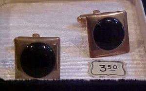 Cufflinks with black stone in box (Image1)