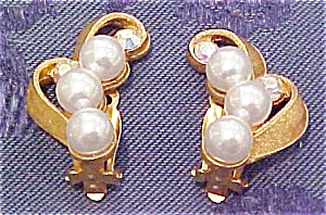 Goldtone earrings with rhinestones (Image1)