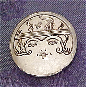 Plastic pin with lady's face (Image1)