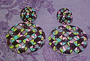 Contemporary plastic earrings (Image1)