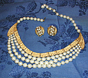 Kramer necklace and earrings (Image1)