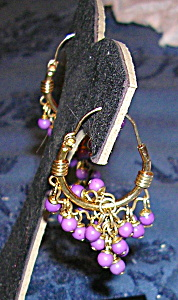 Hoop earrings with purple beads (Image1)