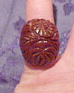 Brown bakelite carved ring (Image1)