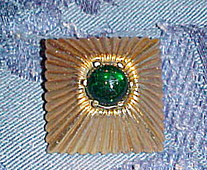 Mazer pin with green cabachon (Image1)
