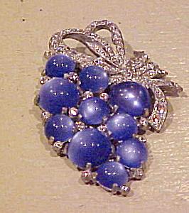 Grape design fur clip (Image1)