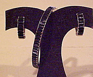 Blk/wh rhinestone bangle & earrings (Image1)