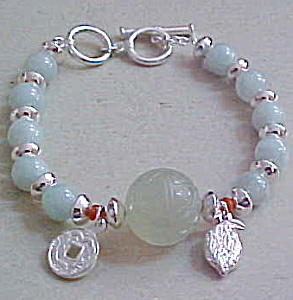 Contemporary beaded bracelet (Image1)
