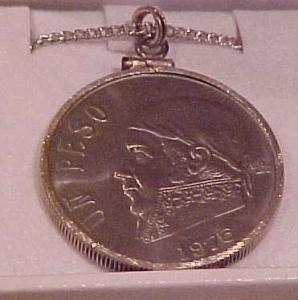 Un peso necklace.  1975 (Image1)