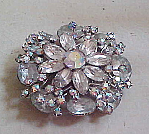 Flower design rhinestone brooch (Image1)