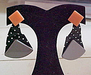 1980s plastic earrings (Image1)