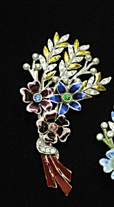 Flower brooch (Image1)