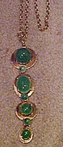 1970s pendant style necklace (Image1)