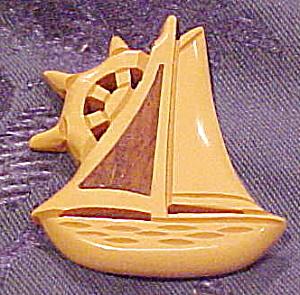 Butterscotch Bakelite ship brooch (Image1)