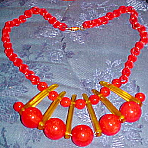 Red And Applejuice Bakelite necklace (Image1)