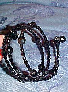 Black faceted glass bead bracelet (Image1)