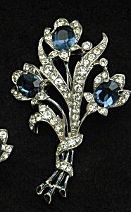 Trifari floral brooch (Image1)