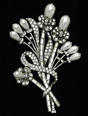 Artisan Flower Brooch (Image1)