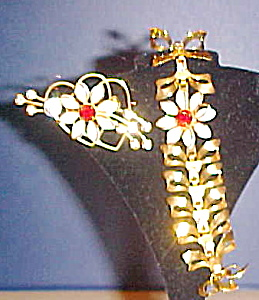 Bracelet and Pin-  bow/ heart/ flowers (Image1)