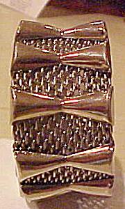 Modern style silver bracelet (Image1)