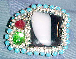 Artist made contemporary brooch (Image1)