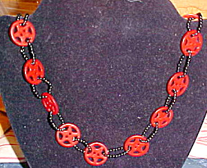 Handstrung necklace with plastic beads (Image1)