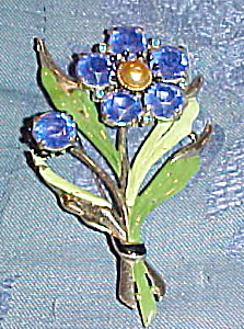 Flower brooch with enameling (Image1)