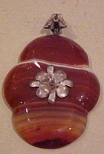 Victorian Sterling and agate pendant (Image1)