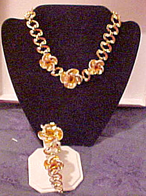 Retro necklace and bracelet set (Image1)