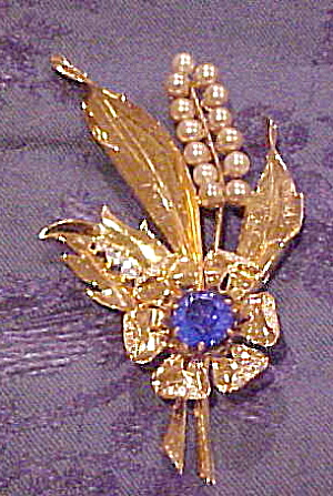Floral pin w/faux pearls and stones (Image1)