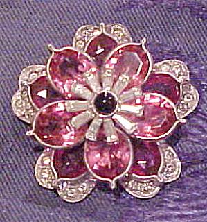 Flower fur clip (Image1)