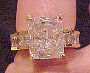 Modern Cocktail ring (Image1)