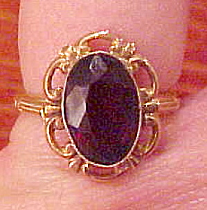 10k gold ring with synthetic garnet (Image1)