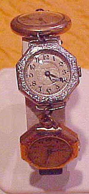Bracelet made of vintage watches (Image1)