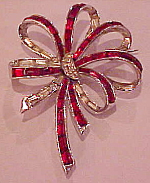 Boucher 1940s retro brooch (Image1)